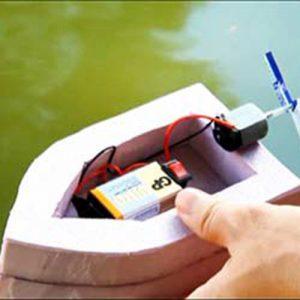 عکس کاردستی قایق موتوری با آرمیچر