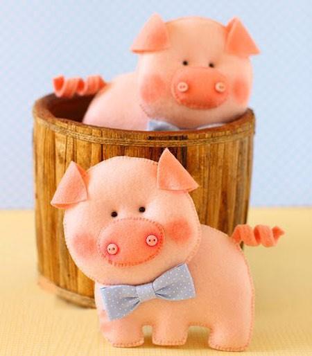 عکس عروسک نمدی خوک