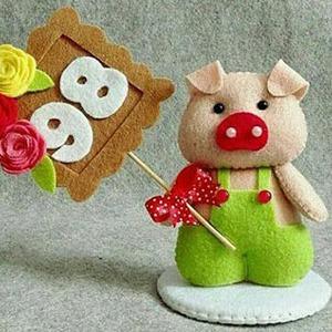 عکس عروسک خوک نمدی
