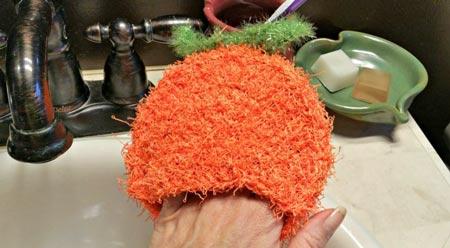 عکس مدل اسکاج بافتنی طرح گوجه فرنگی