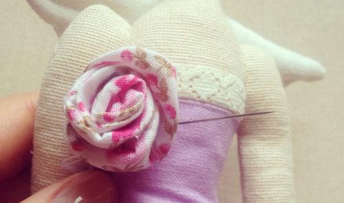 عکس گل سینه عروسک تیلدا