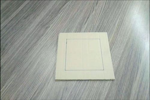 عکس کادر مربعی روی مقوا