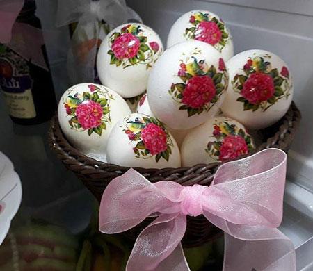 عکس تزیین تخم مرغ به روش دکوپاژ