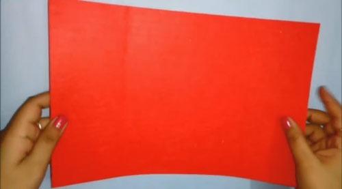 عکس پارچه نمدی قرمز