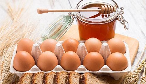 عکس آموزش کراتینه مو زنانه با تخم مرغ و عسل