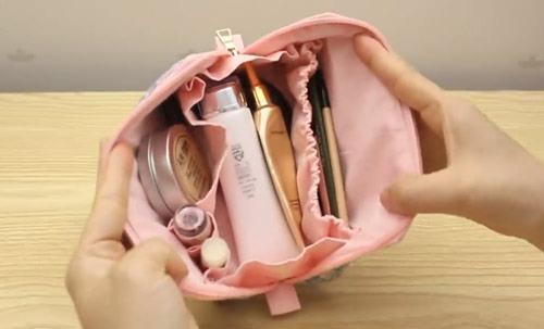 عکس داخل کیف لوازم آرایشی