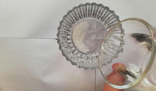 عکس درست کردن پودر برف مصنوعی برای اسلایم دونه برفی