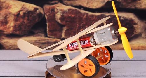 عکس آموزش ساخت کاردستی هواپیما