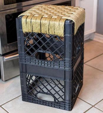 عکس ساخت چهارپایه با مواد دور ریختنی