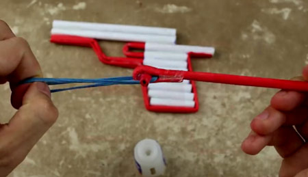 اموزش تصویری ساخت تفنگ کاغذی
