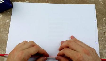 عکس لوله کردن کاغذ