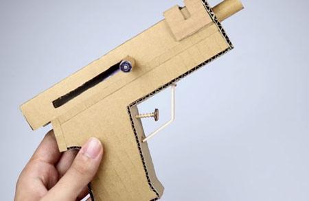 عکس روش ساخت تفنگ با کارتن
