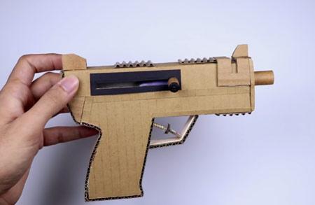 عکس تفنگ با کارتن