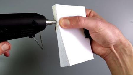 عکس چسب زدن به کاغذ