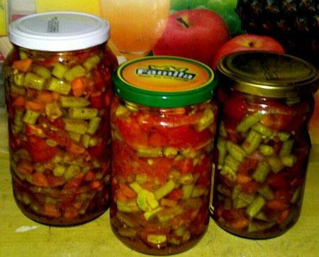 عکس ترشی لوبیا سبز با گوجه